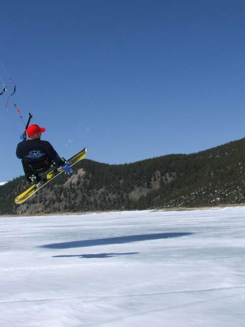 Snow Kite jumping